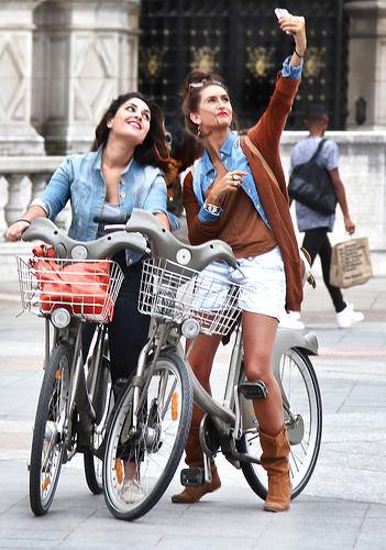 15604743639_c20a31855f fete selfie bicicleta zambet