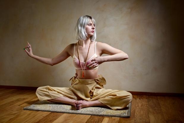 26159267370_d102dc3519_o femeie yoga woman