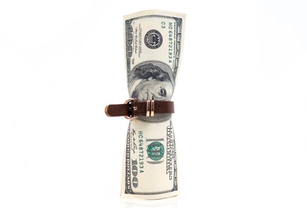 economii-economie-dolari-strage-cureaua