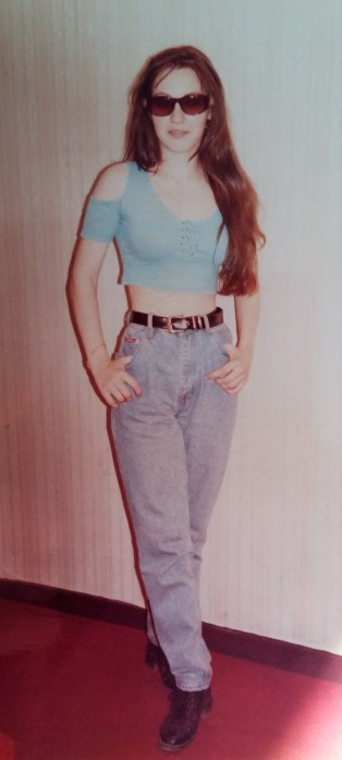 portret Dragi femei tanara 18 ani